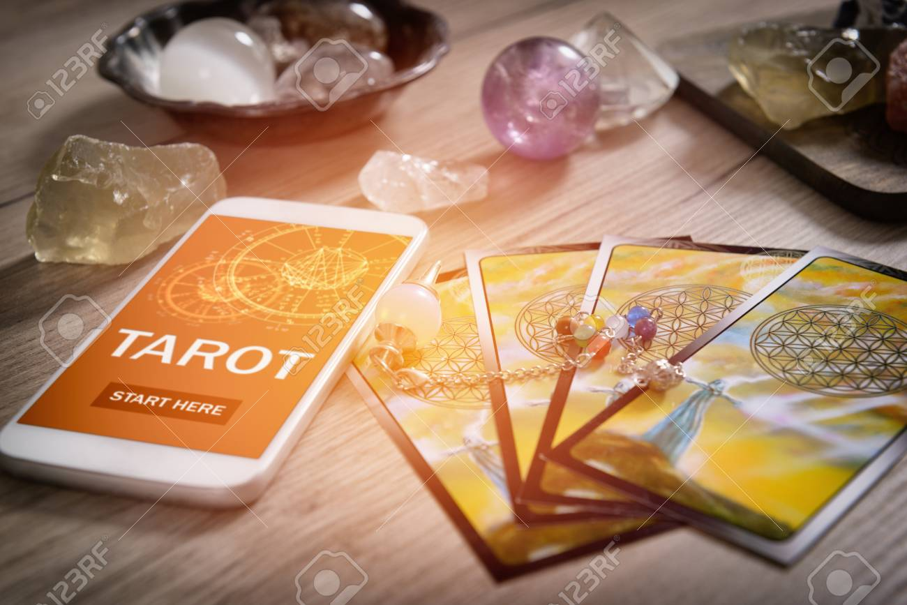 Learn Tarot/Oracle Magic Class